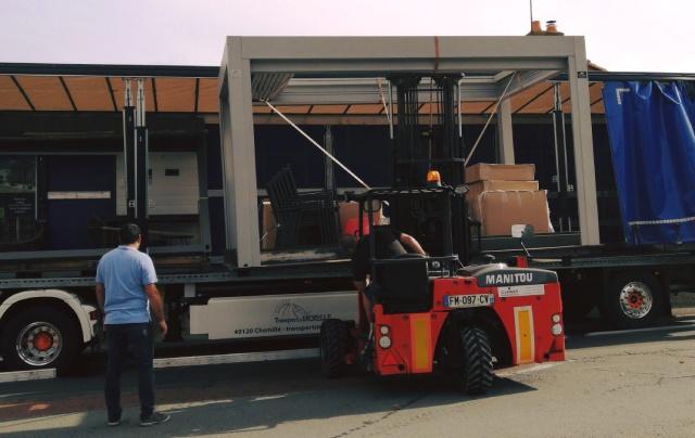 Installation salon habitat camion